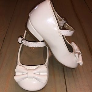 Toddler size 4 patent leather dress shoes